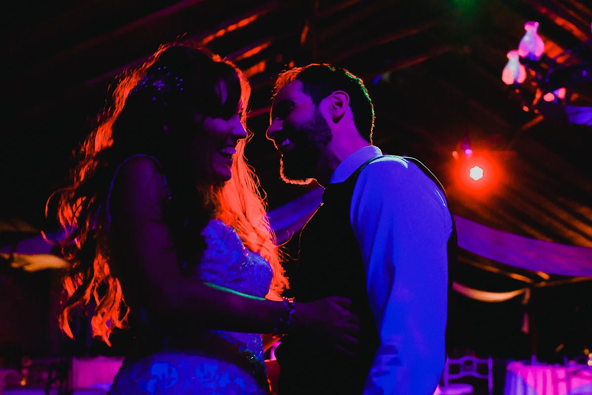 fiesta novios en casamiento